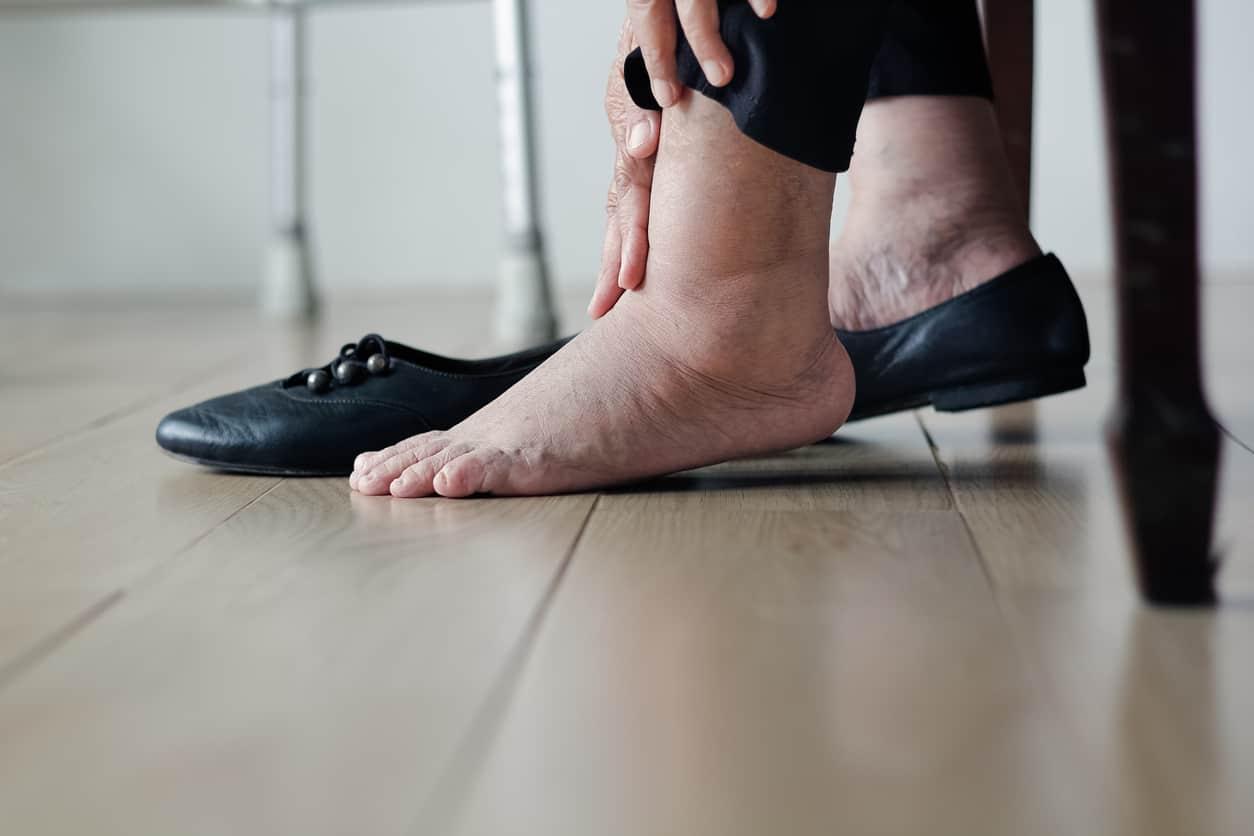 feet problems diabetes